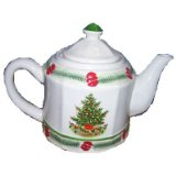 Pfaltzgraff Christmas Heritage Sculpted 1 quart Pottery Teapot